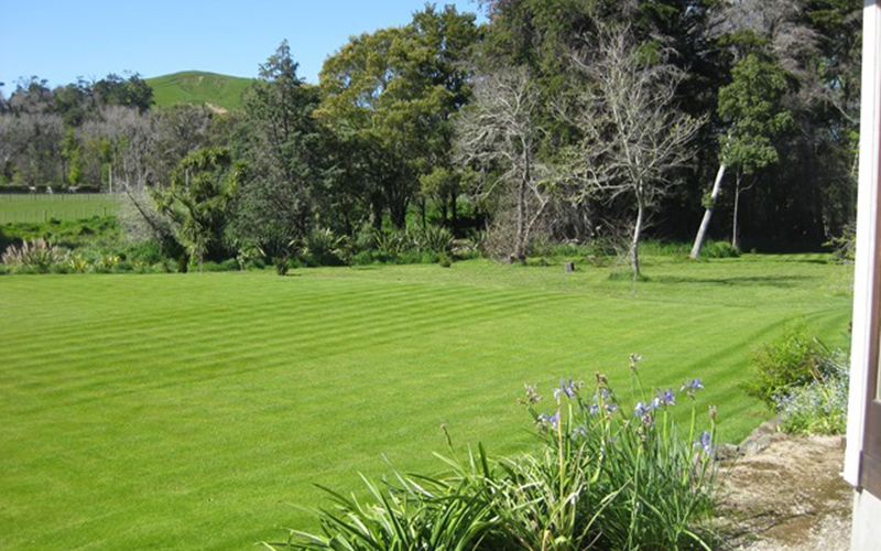 Oval Lawn and Gardens at Punawaitai